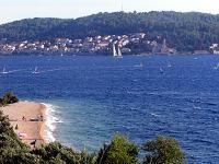 Pohled na pláž Perna